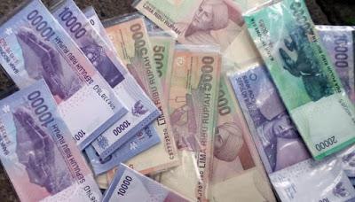 Tradisi Tukar Menukar Uang Receh