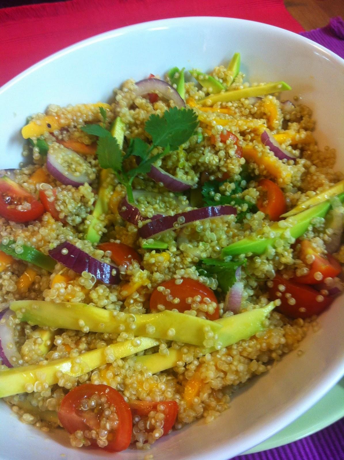 Las recetas de martuka ensalada de qu noa con mango y for Cocinar 1 taza de quinoa