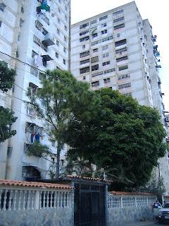 Caricuao ...Solicito Apartamento 04123605721, tenemos cliente