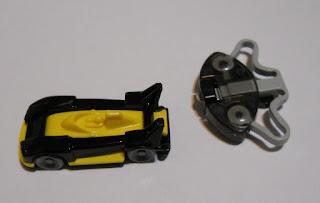 coche en miniatura de kinder sorpresa