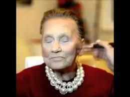 لن تصدق شكل هذه السيدة العجوز بعد المكياج !!