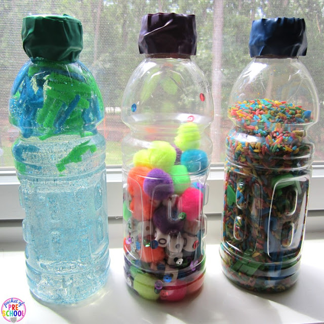 How to make letter sensory bottles and FREE letter hunt printables. Perfect for toddlers, preschool, pre-k, and kindergarten.