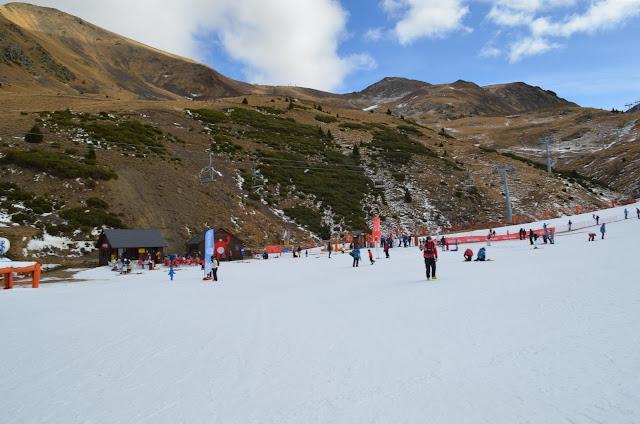 Pessoal já esquiando ainda no outono