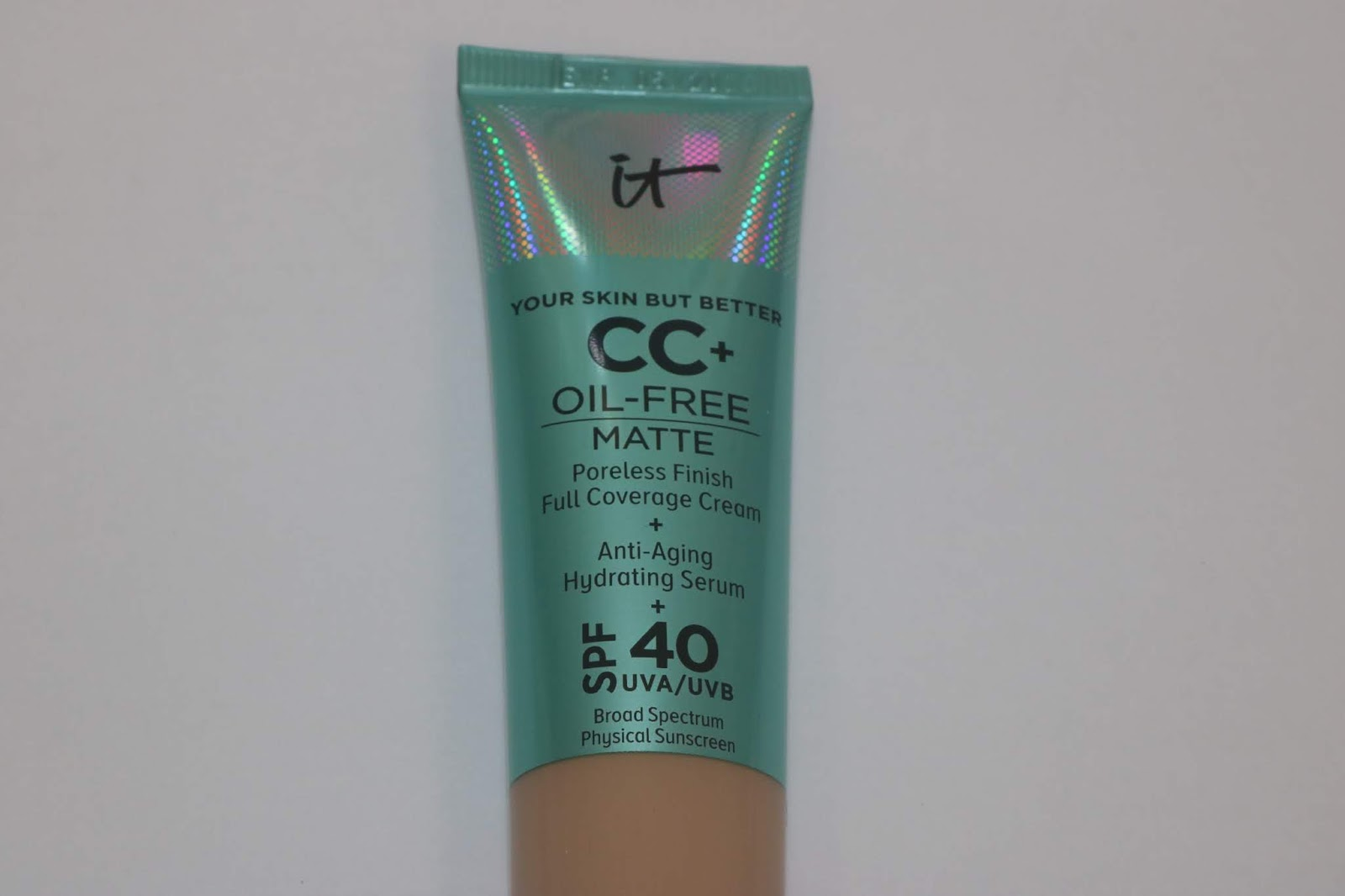 IT Your Skin But Better CC+ Oil Free Matte Full Coverage Cream