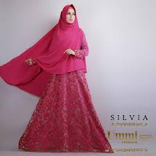Model gaun pesta muslimah elegan Terbaru
