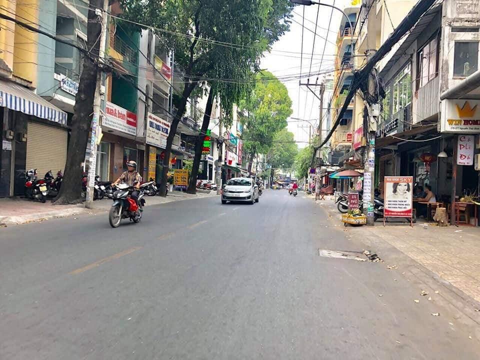 Bán nhà Mặt tiền đường Nguyễn Thái Bình phường 12 quận Tân Bình. DT 4,25x15m