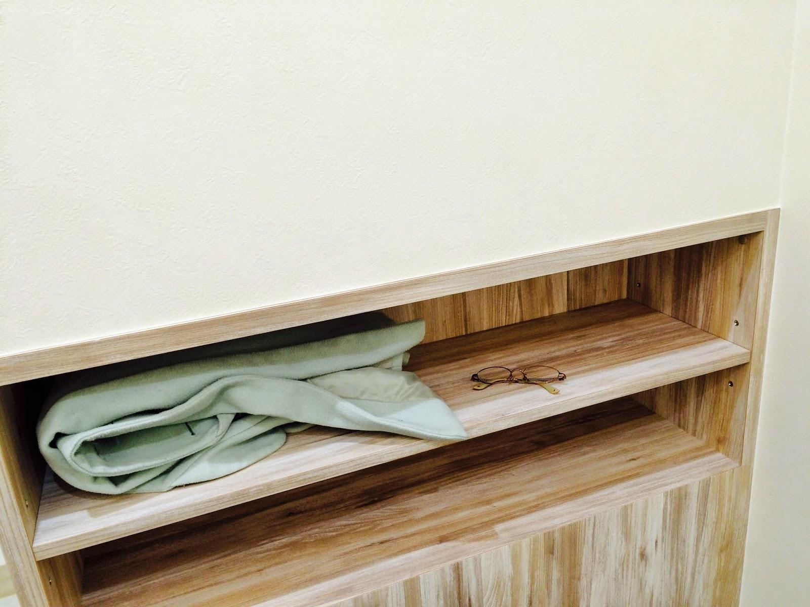 大阪駅の祈祷室にある棚