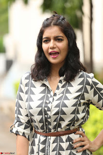 Swathi Reddy Looks super cute at London Babulu theatrical trailer launch ~  Exclusive 037.JPG