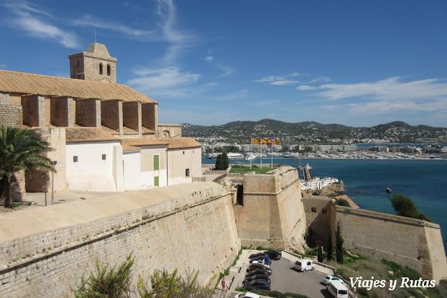 Catedral y murallas de Ibiza