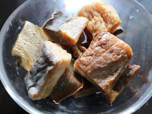 Gulai Ikan Kering Tumis Darat