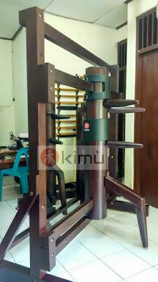 Contoh KIMU Wooden Dummy / Boneka Kayu Berpalang (2)