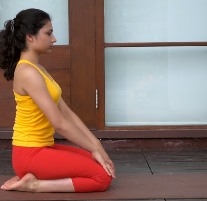 Yoga Posture Guide - The Thunderbolt or Diamond Pose (Vajra-asana)