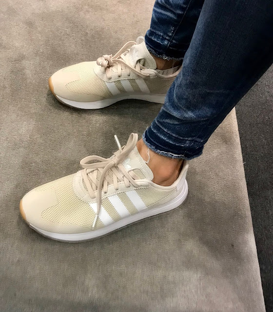 Cardigans, topshop, N-sale, Fall fashion, Tall girl, madewell jeans, Nordstrom anniversary sale 2018, sweaters jeans, adidas