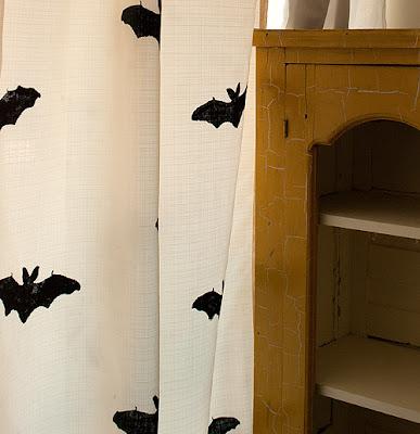 como decorar cortinas lisas