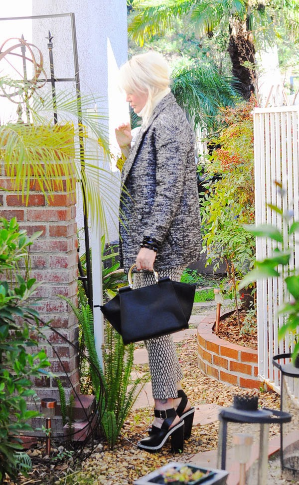 cocoon monochrome coat hm clothing beauty by sw fashion blogger