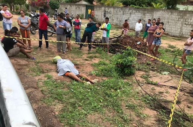 Pai mata filho de 14 anos com facada no pescoço, em Missão Velha (CE)