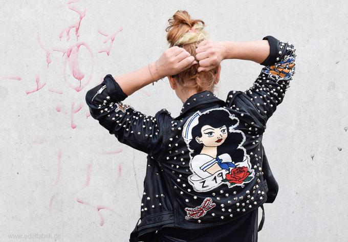 Lederjacke von Zara mit Nieten, Ü40 Looks für Frauen
