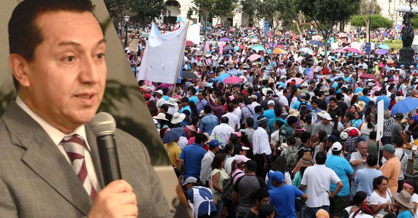 Movimientos católicos y evangélicos se proyectan como fuerza política, sostiene analista Luis Benavente