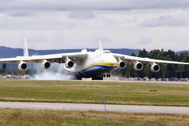 """Chiêm ngưỡng """"quái vật"""" máy bay lớn nhất thế giới"""
