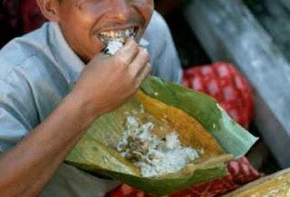 Apakah Kalimat Yang Diucapkan Rasulullah Sebelum Makan?