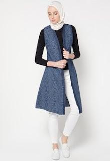 Model Baju Cardigan Terbaru Tanpa Lengan. 25 Style Rompi Dan Cardigan  Busana Muslim Remaja Terkini 8680782f2e