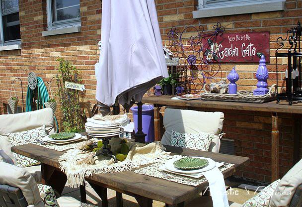 table setting outside for summer