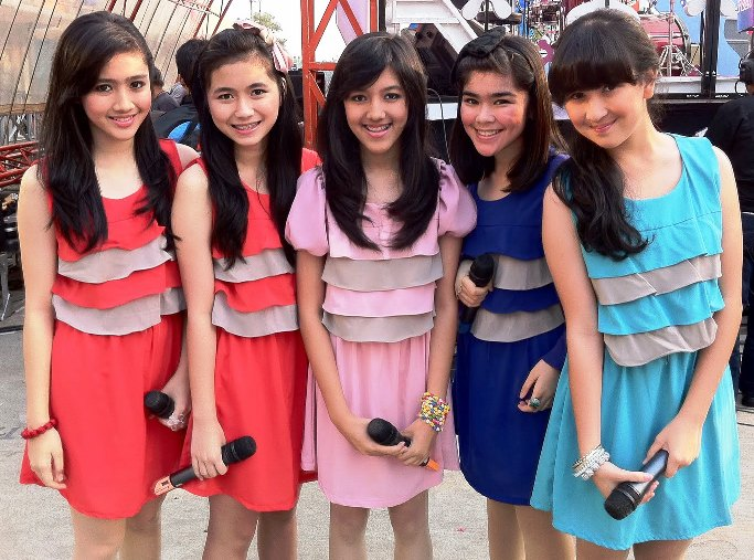 Video Klip Blinking Blink Girlband Indonesia
