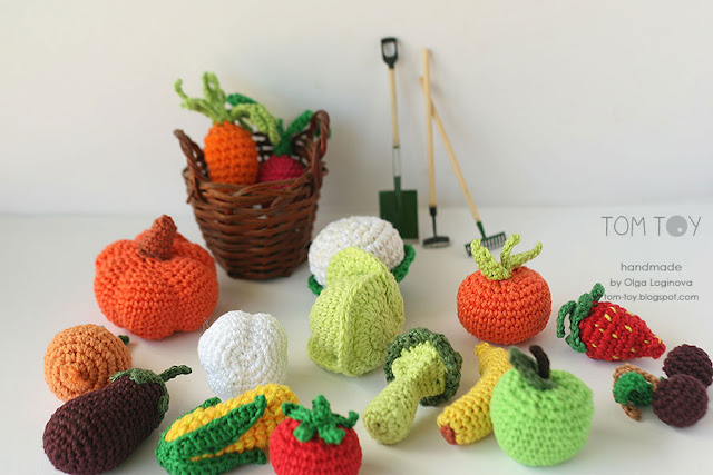 Little crochet vegetables, handmade play food