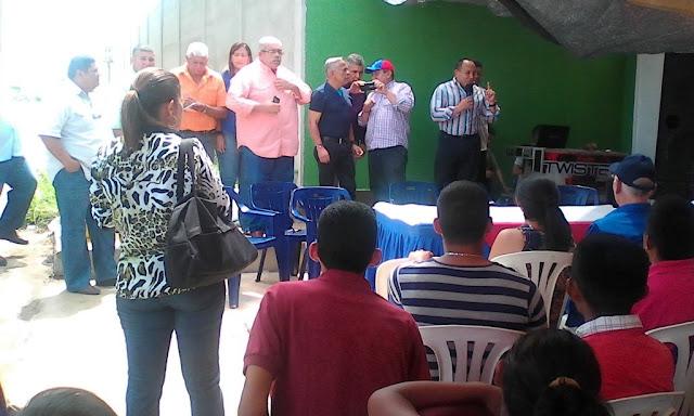 Diputados-de-UNT-Zulia-llaman-a-mantener-la-calle-como-via-de-presion-para-lograr-el-referendo