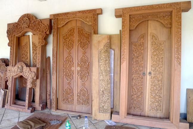 In the home decorating front the Balinese door in teak wood is synonymous to the island destination\u0027s name & Bali more than the doors
