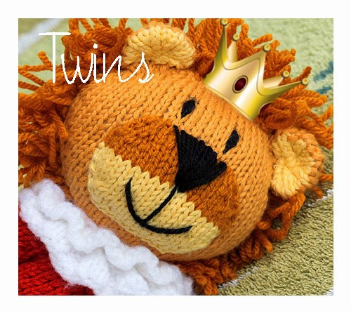 Knitted Toys: Happy Knitted Lion