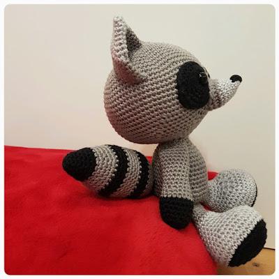 Hibou au crochet : patron gratuit d'amigurumi | 400x400