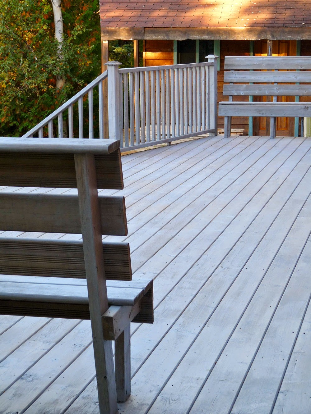 Deck Makeover Part Ii Staining Pressure Treated Wood Dans Le Lakehouse