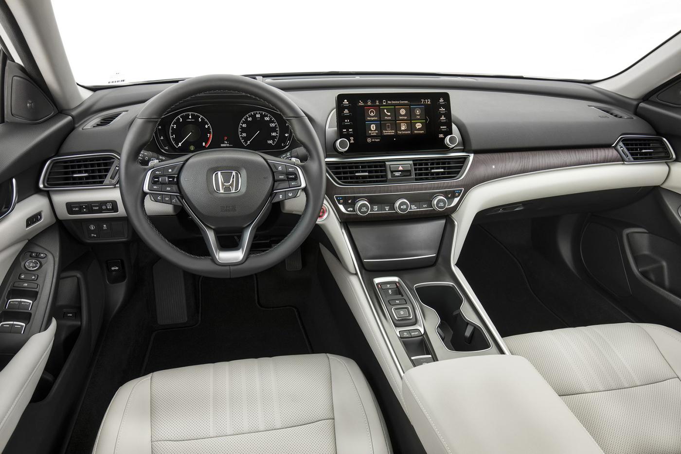 nội thất xe Honda Accord đời mới 2018 màu trắng