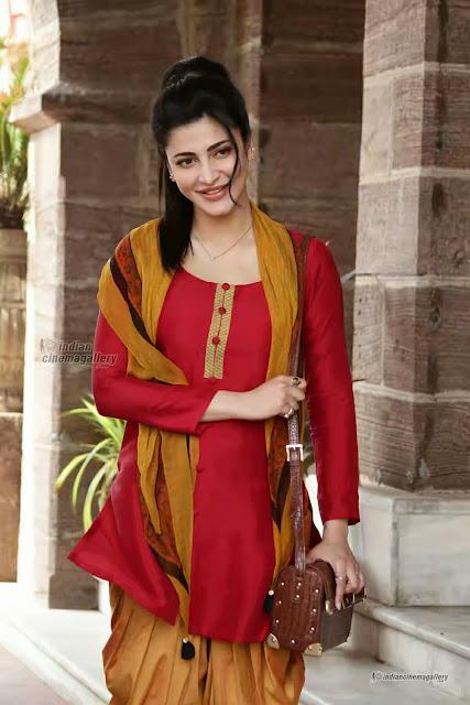 Cute smile Shruti Haasan beautiful stunning look images 2017