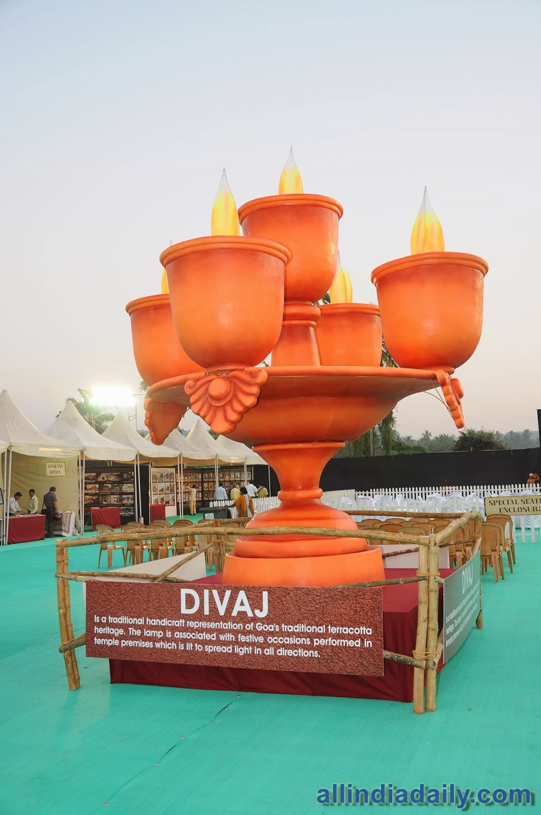 Divaj_Traditional_Lamp