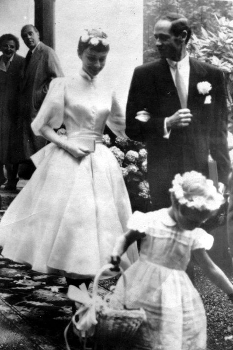 Rare Photographs of Audrey Hepburn and Mel Ferrer on Their Wedding ...