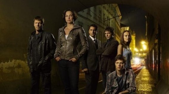 Missing - Ashley Judd and rest of the cast members underneath a tunnel