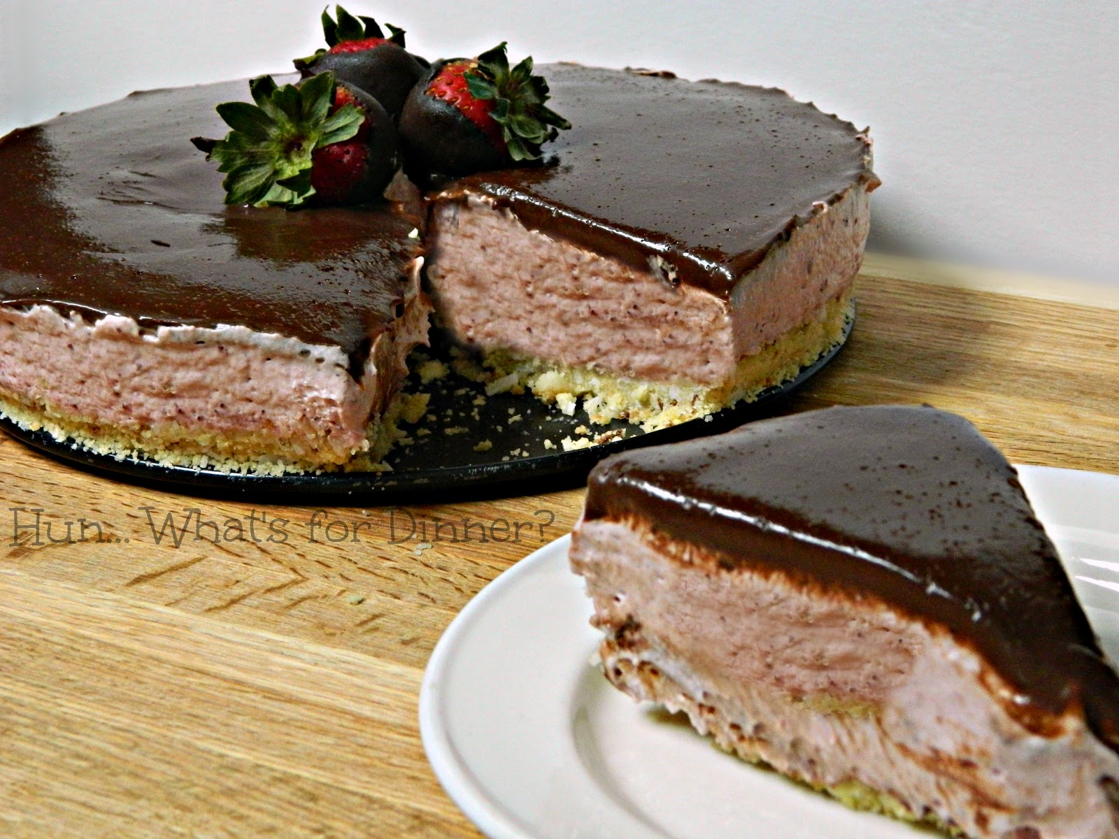 Hun... What's for Dinner?: No-Bake Chocolate Covered Strawberry Cheesecake