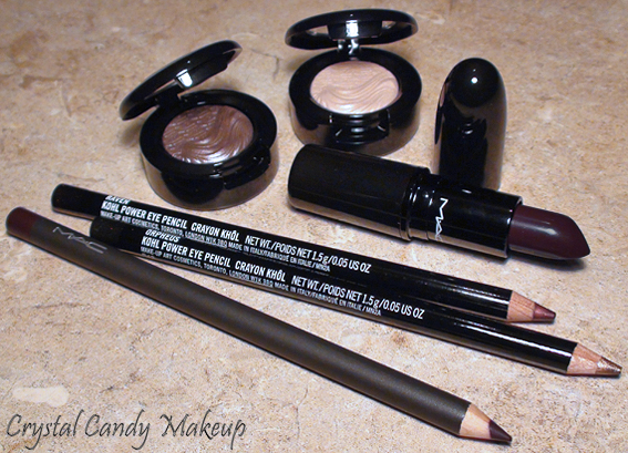 MAC Glamour Daze : Dramatic Encounter, Nightmoth, Whisper of Gilt, A Natural Flirt, Stolen Moment, Orpheus, Raven
