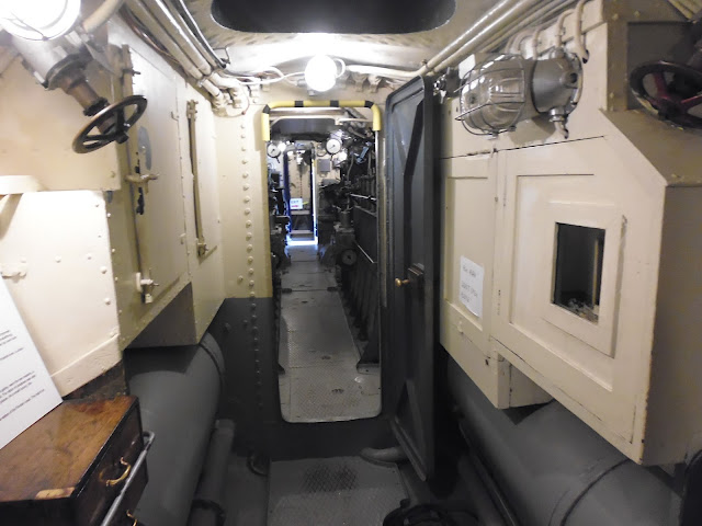 Interior del submarino Vesikko (Fortaleza de Suomenlinna) (Helsinki) (@mibaulviajero)