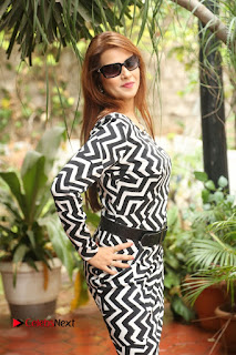 Actress Saloni Latest Pos in Short Dress  0149.JPG