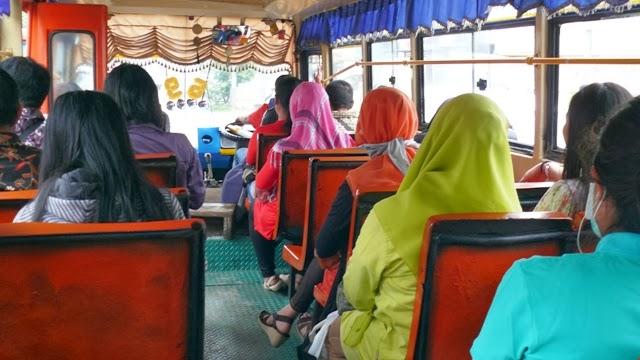 Oprindeligt BUS METROMINI TANGERANG JAKARTA 5 DV08