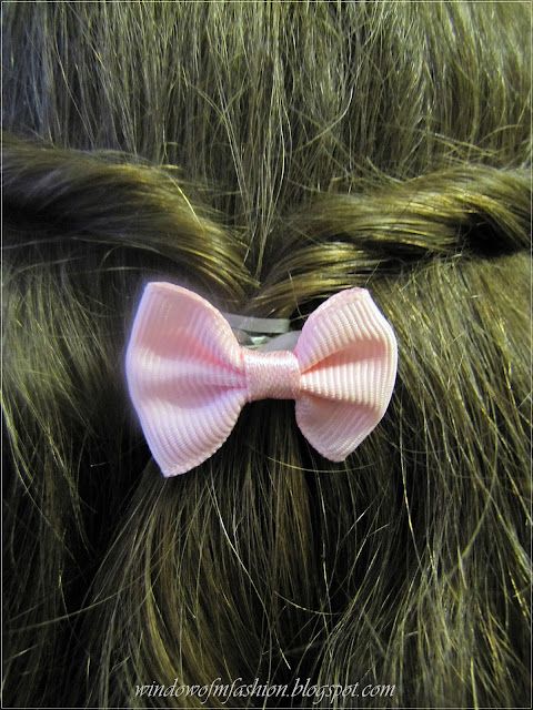 Różowa spinka do włosów z kokardką