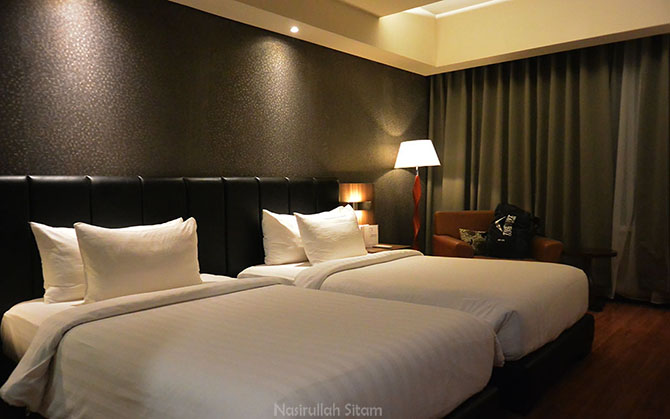Menikmati Malam di The Alana Hotel & Convention Center, Solo
