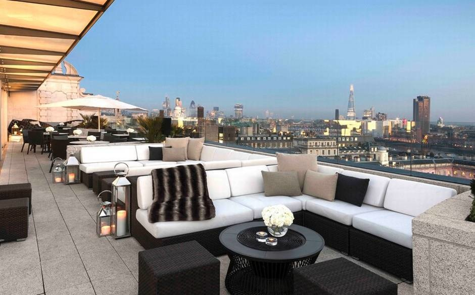 The World's 30 Best Rooftop Bars… Everyone Should Drink At #9 At Least Once. - England's Radio at ME London provides a panoramic view of the city.
