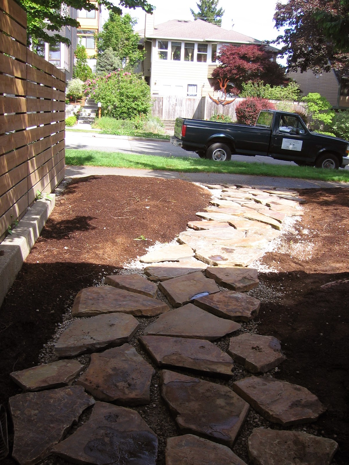 Installing A Flagstone Patio With Mortar: Gardenmakers Northwest : Flagstone Walk Install, Spring