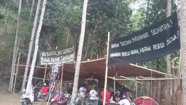 """Lokasi Pameran """"Komunitas Lingkungan Tak Berduit"""" Di Luar Areal HKAN."""