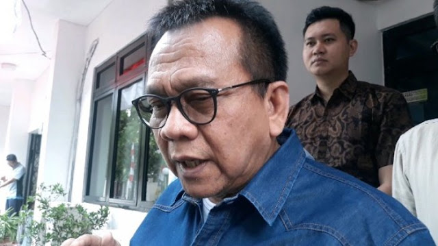 Tiga Keanehan Jelang Pilpres Versi Kubu Prabowo - Sandi