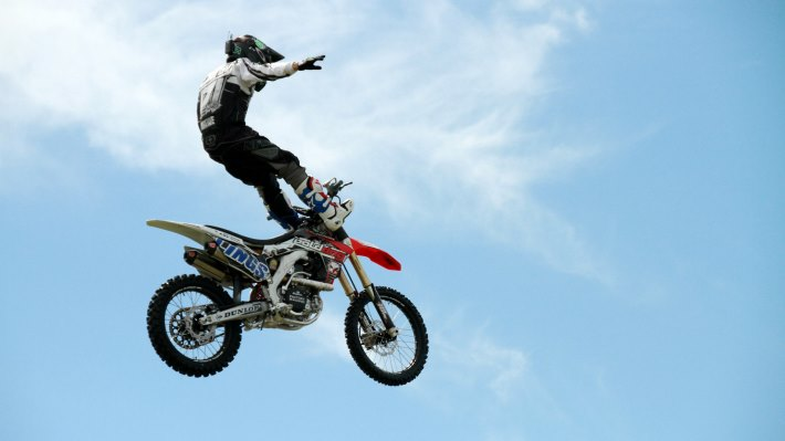 Wallpaper 5: Motocross Aerial Acrobatics